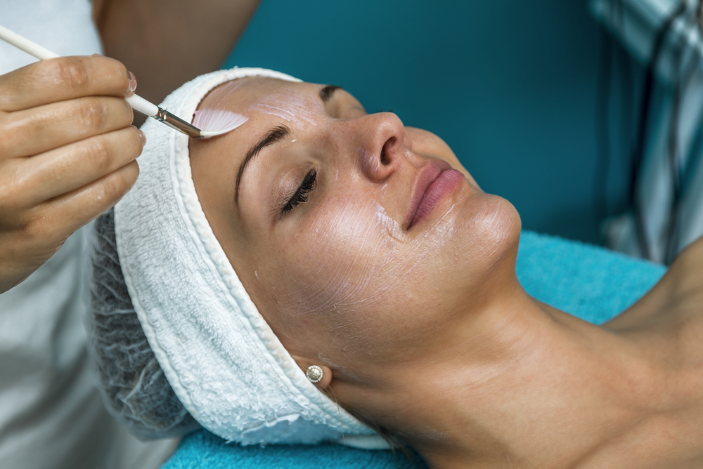 Perfect 10 Peel or VI Peel: Which One Is Right for You?